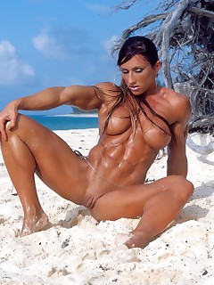 Muscle MILF Pics