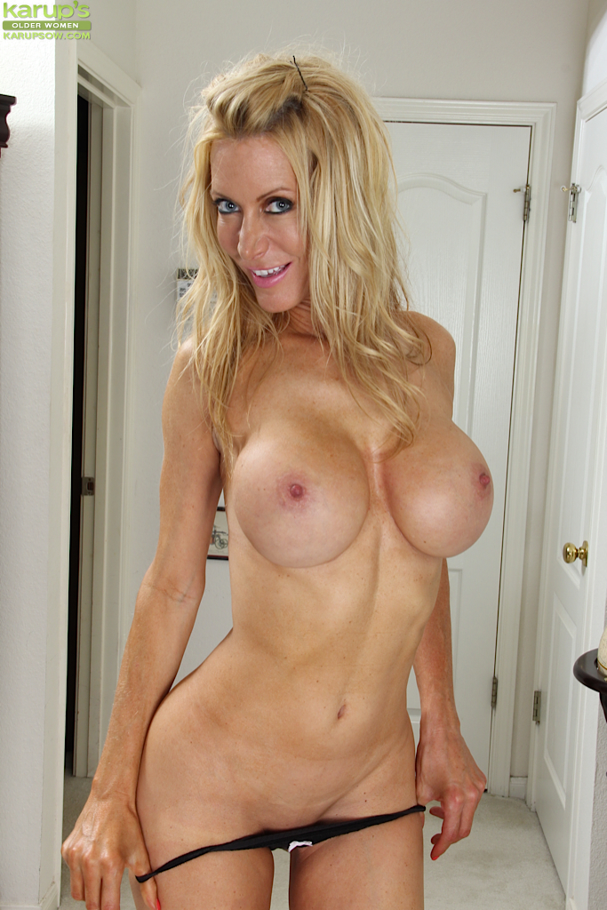 Sexy Blonde Perfect Tits